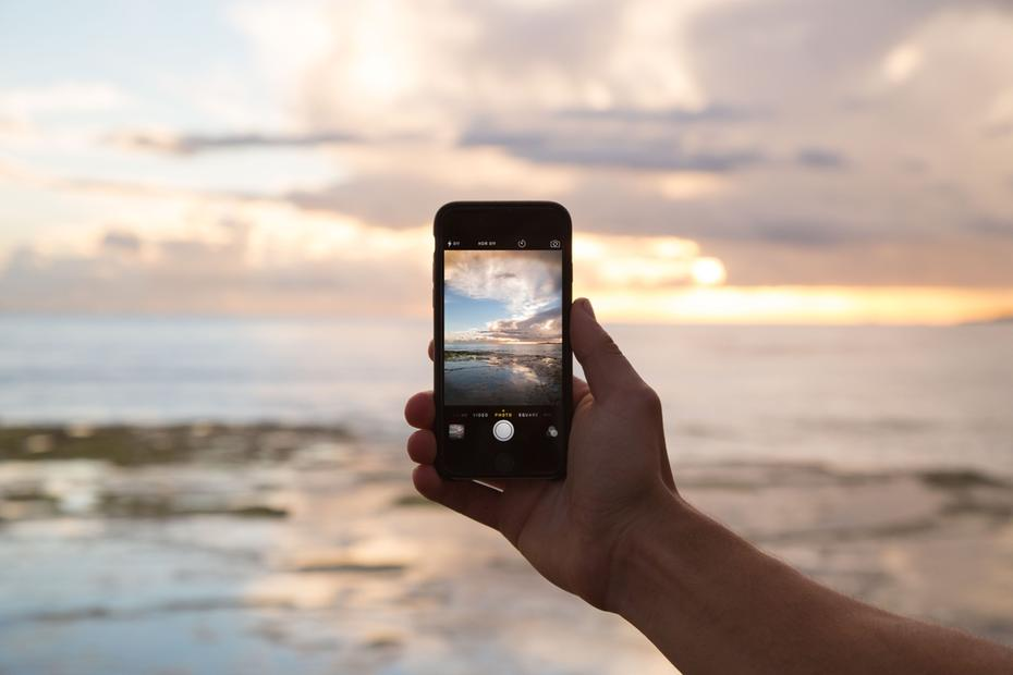 Brasileiros podem usar roaming ou comprar chip pré-pago em viagens