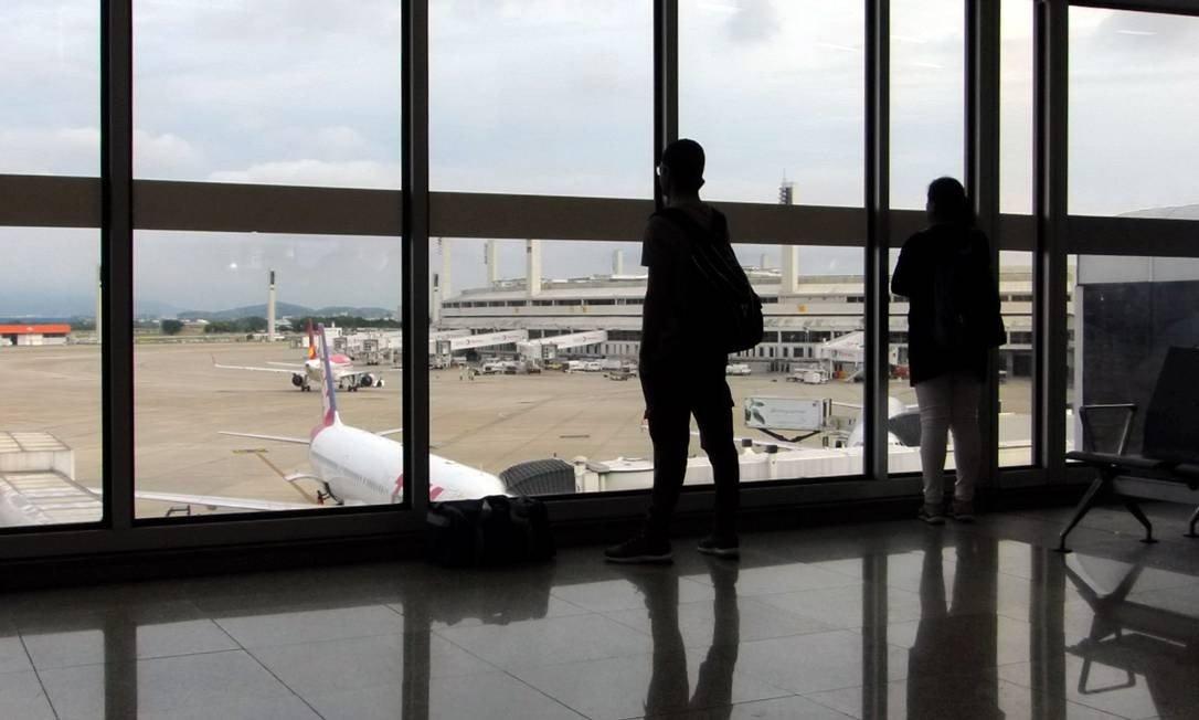 Painel do Fórum Conectividade abordou desafios e metas da aviação no Brasil
