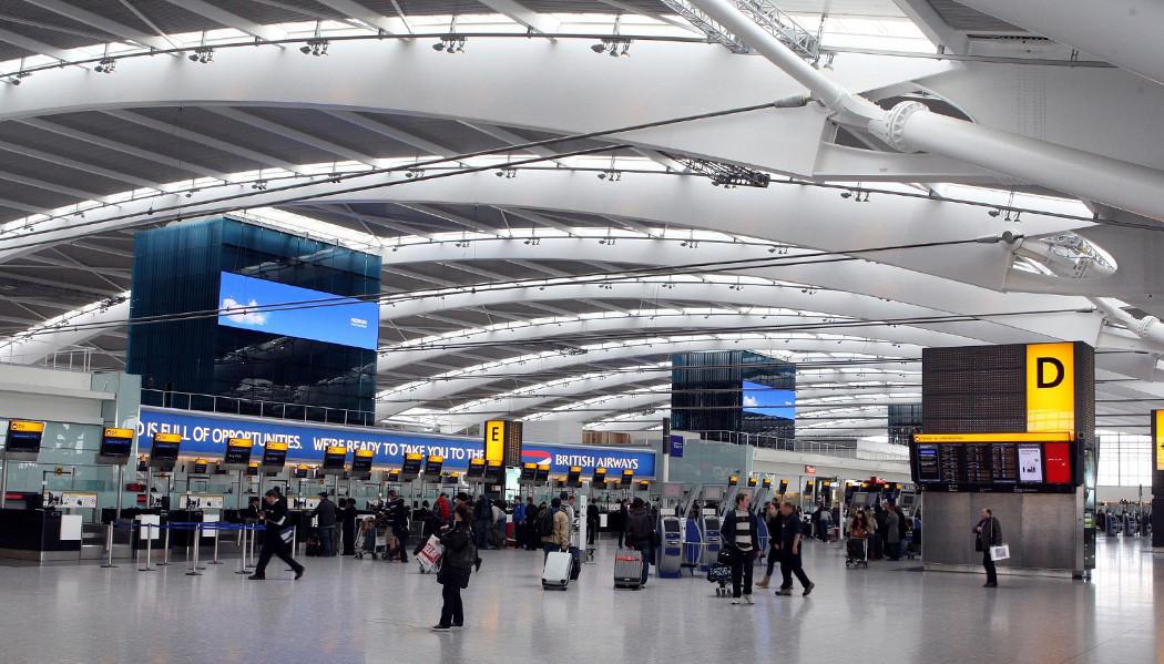 Movimento ambientalista quer paralisar aeroporto de Londres por 3 dias
