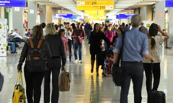 Companhias e aeroportos gastam US$ 50 bilhões em experiência