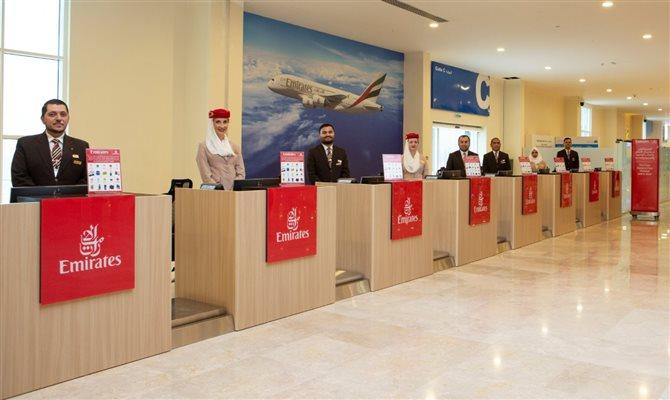 Emirates inaugura posto de check-in remoto para cruzeiristas