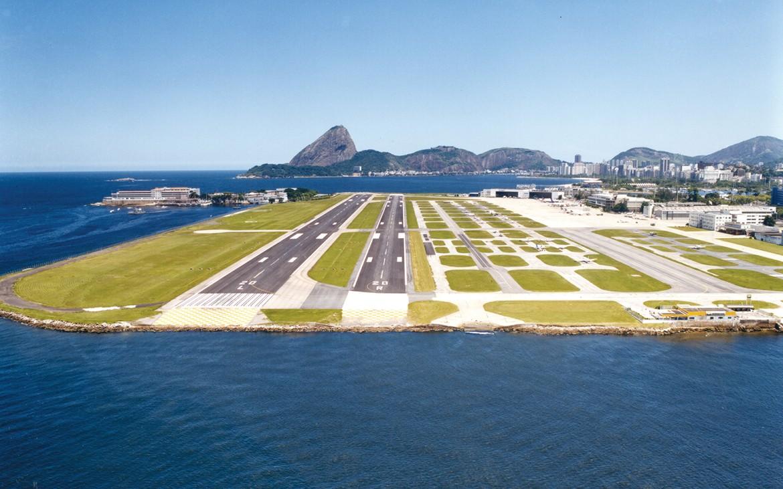 Rio assina redução de ICMS sobre combustível de aviação