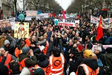 Governo francês assegura que greve deve parar; sindicatos continuam firmes