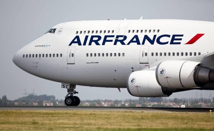 Air France convida clientes a votarem em projetos de compensação de carbono