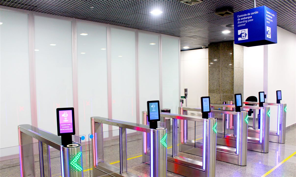 Aeroportos FOR e POA ganham terminais de autoatendimento