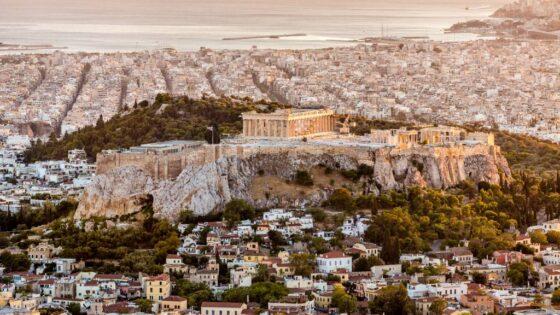 Grécia antecipa a retomada do turismo