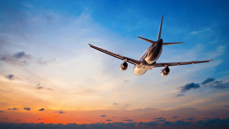 Viagens aéreas domésticas avançam em recuperação na China