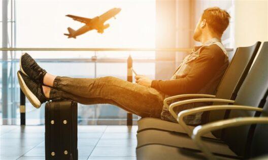 Viajantes estão mais propensos a reservar com agente de viagens