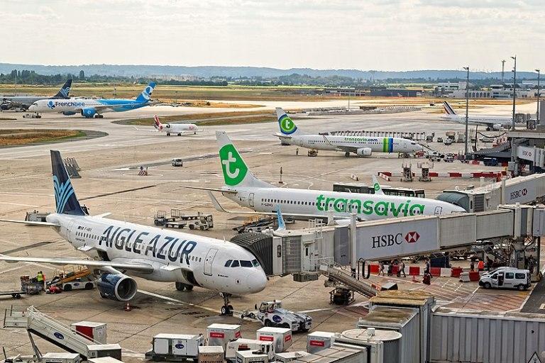 Aviação europeia quer fim de quarentenas em viagens aéreas