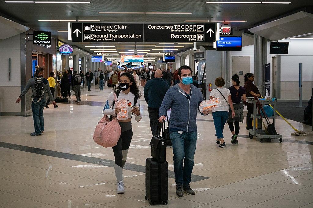 Volta das restrições de Covid em viagens aéreas ameaça a recuperação da América Latina