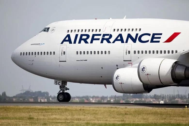 França deve comprar 29,9% da Air France-KLM