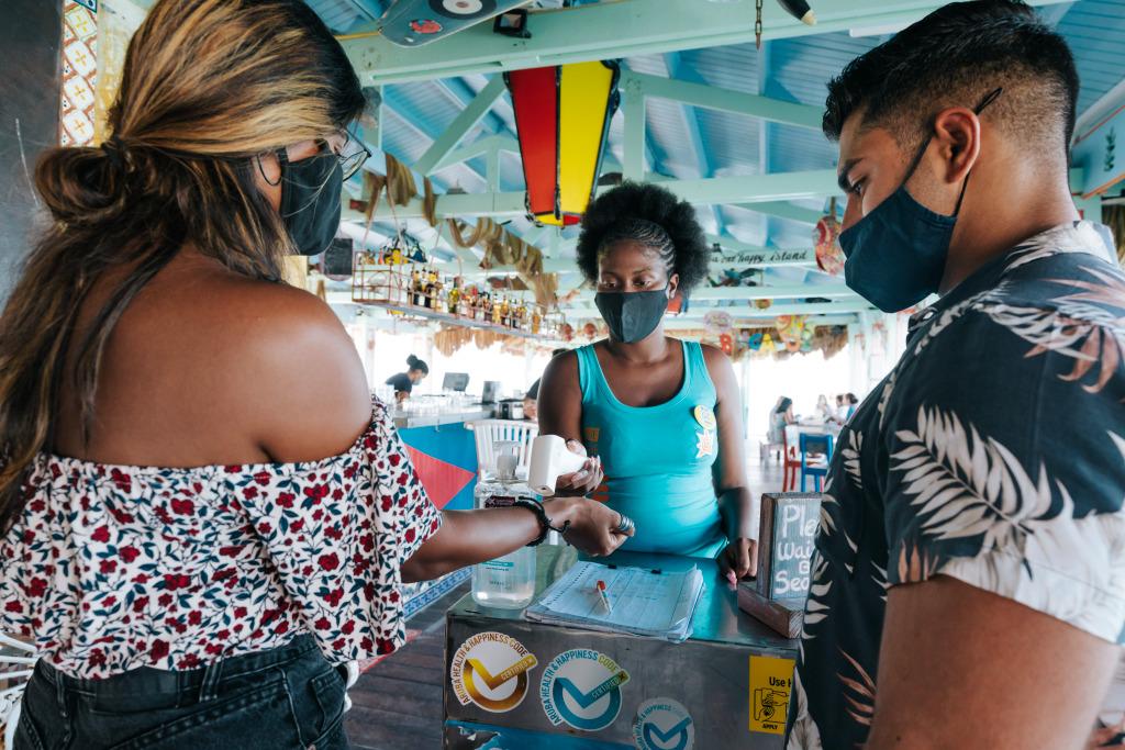Aruba volta a receber turistas brasileiros