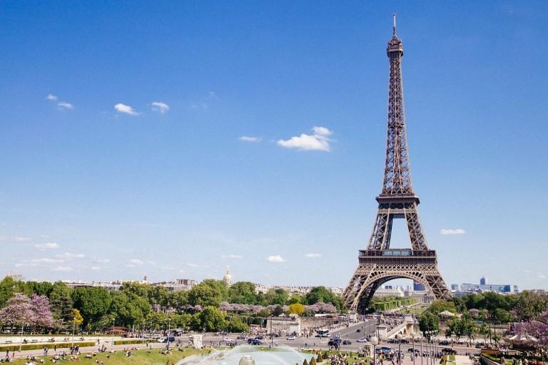 França reabre fronteiras para turistas internacionais